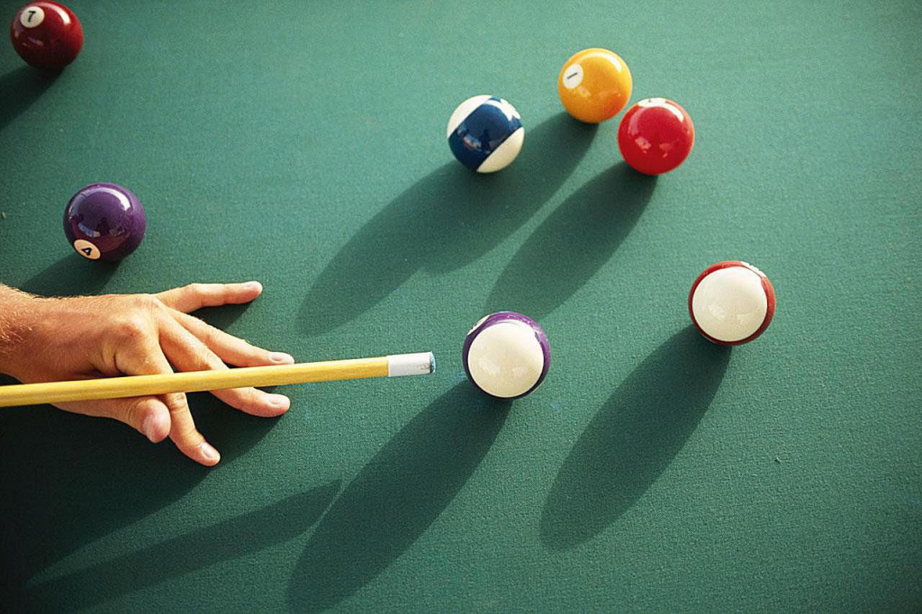 choose a cue for billiards